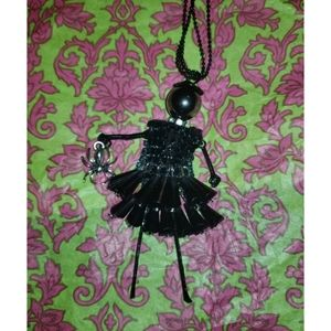 Halloween vibe DIVA Doll necklace